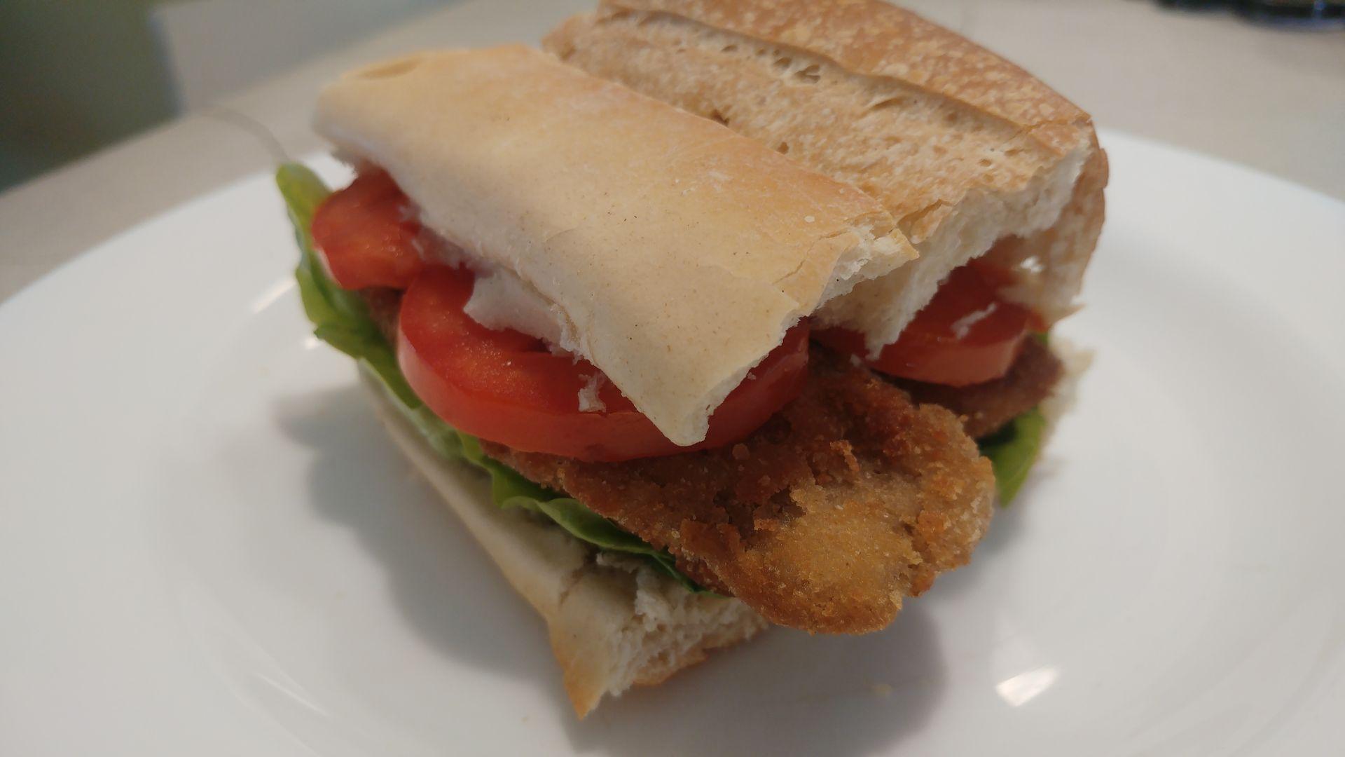Sándwich de milanesa vegano
