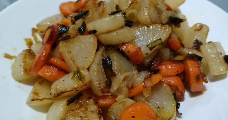 Guarnición de nabo, cebolleta y zanahoria